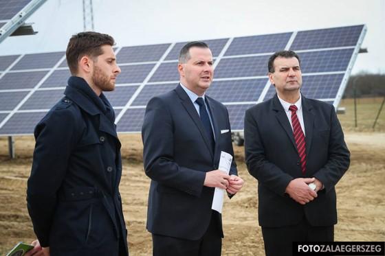 2dfdcfa44a Zalaegerszeg Esküvői ruha kölcsönzés: Tóth Ferencné Glória Esküvői ...